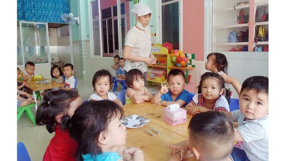 Collections of extra fees in HCMC base on negotiations between schools, parents