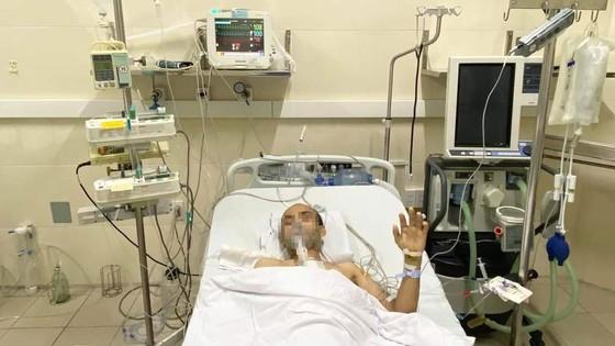 One of man undergoing heart transplant (Photo: SGGP)