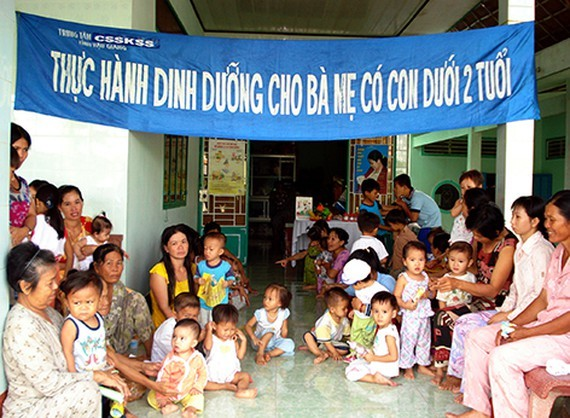 Vietnam is facing a challenge to improve its human capital index is the high proportion of stunted children *Photo: SGGP)