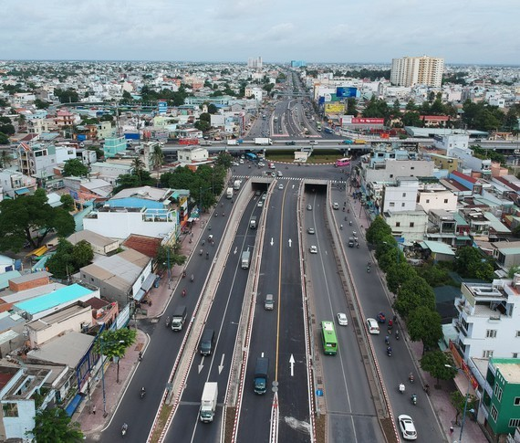 An Suong  tunnel in Ho Chi Minh City open to traffic