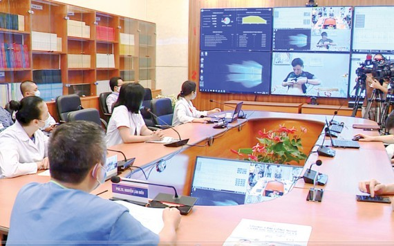 Vietnam's health sector orients towards telehealth to benefit patients in disadvantaged districts (Photo: SGGP)