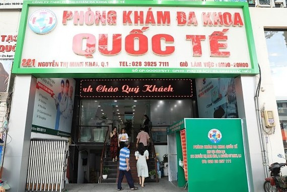 Quoc Te (International ) General Medical Center in Nguyen Thi Minh Khai Street  is fined for falling foul of the regulation (Photo: SGGP)