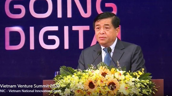 Minister of Planning and Investment Nguyen Chi Dung speaks at the event (Photo: SGGP)