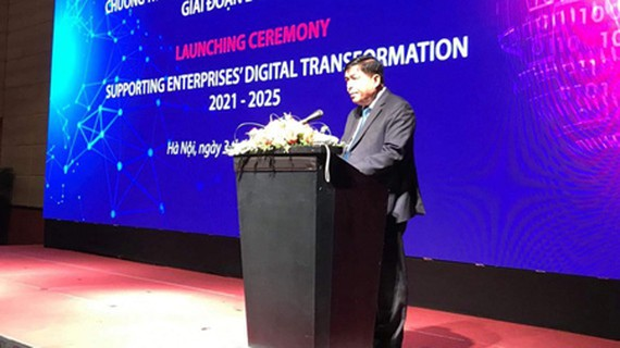 Minister of Planning and Investment Nguyen Chi Dung is delivering his speech in the ceremony (Photo: SGGP)