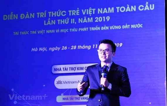 Associate Professor Tran XuanBach at the Global Young Vietnamese Intellectuals Forum in 2019.— VNA/VNS Photo