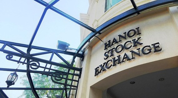 The Hanoi Stock Exchange (HNX), together with the Ho Chi Minh Stock Exchange (HoSE), will become subsidiaries of the Vietnam Stock Exchange (VNX). (Photo: cafef.vn)