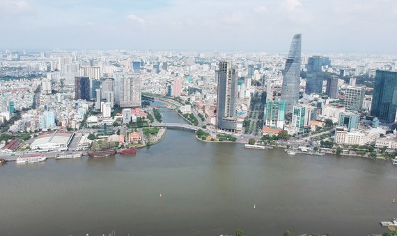 HCMC's raw water is mainly extracted from surface water of Dong Nai and Saigon rivers (Photo: SGGP)