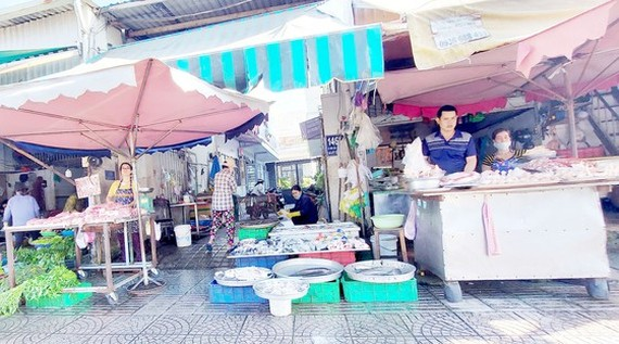 Few self-employed workers buy voluntary social insurance (Photo: SGGP)