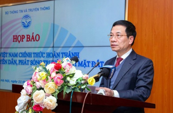 Minister of Information and Communications Nguyen Manh Hung delivered his speech in the conference. (Photo: SGGP)