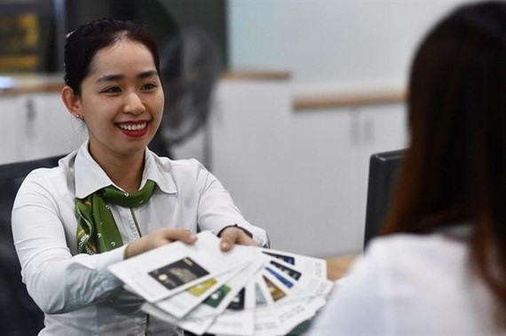 The growth of the premium revenue for life and non-life insurance segments in 2021 would be 22 per cent and 10-12 per cent, respectively, against last year (Photo: VNA)