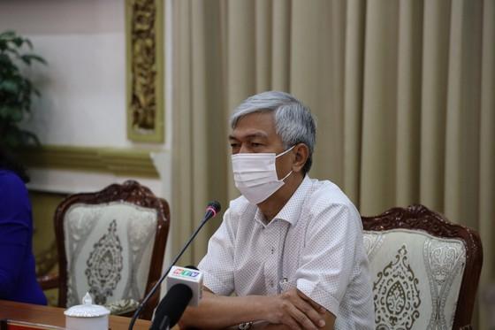 Deputy Chairman Vo Van Hoan at the meeting (Photo: SGGP)