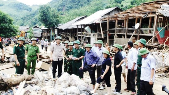 Serious landslide and flashflood cause traffic difficulty through several roads in the northern mountainous provinces.