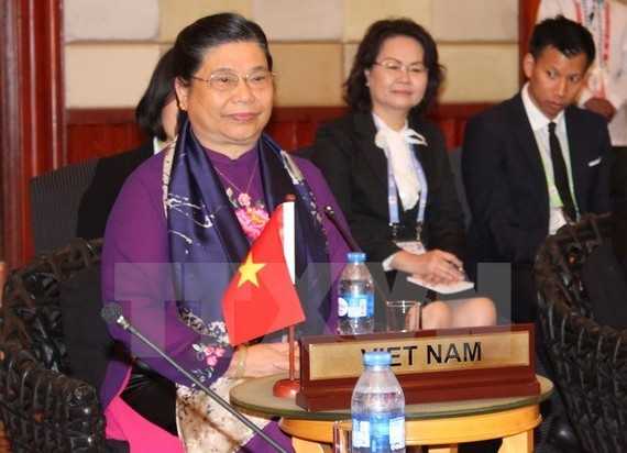 Vice Chairwoman of the National Assembly of Vietnam Tong Thi Phong (L) (Photo: VNA)