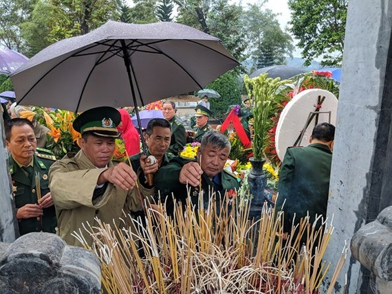 Hundreds of veterans commemorate martyrs in Po Hen Border Post