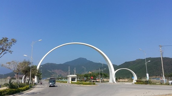 An entrance to an industrial zone in Da Nang. The city has granted investment licences to seven projects and proposals to 15 more. (Photo: VNA)