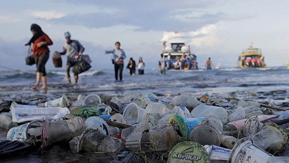 ASEAN joins hand to treat plastic waste on sea