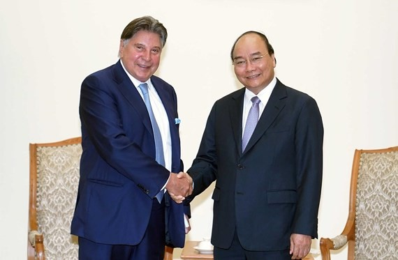 Vietnamese Prime Minister Nguyen Xuan Phuc and Mr. Horst Julius Pudwill, the president of TTI (Photo:VNA)