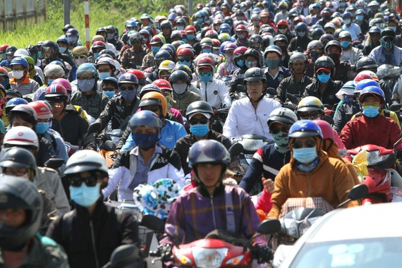 The extreme traffic congestion frequently occurs on National Highways across Southern provinces