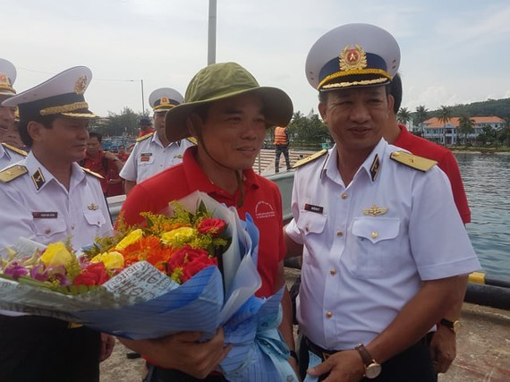 The delegation of Ho Chi Minh City docks at An Thoi Port