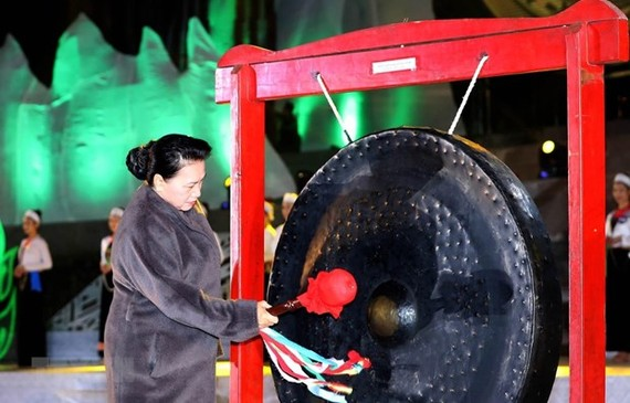 National Assembly Chairwoman Nguyen Thi Kim Ngan at the  opening ceremony of Hoa Binh Cultural and Tourism Week 2019 last night (Photo:VNA)