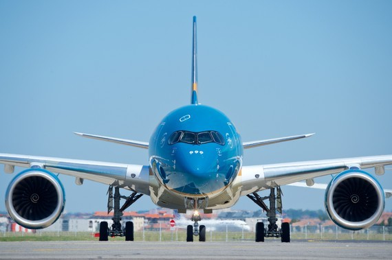 Vietnam Airlines suspends air routes to France, Malaysia