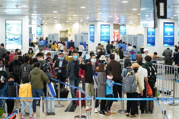 The number of international arrivals at Noi Bai International Airport reduces