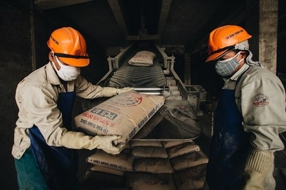 Cement bags stocked at a facility in Hai Duong province.( Photo tcgvn.com)