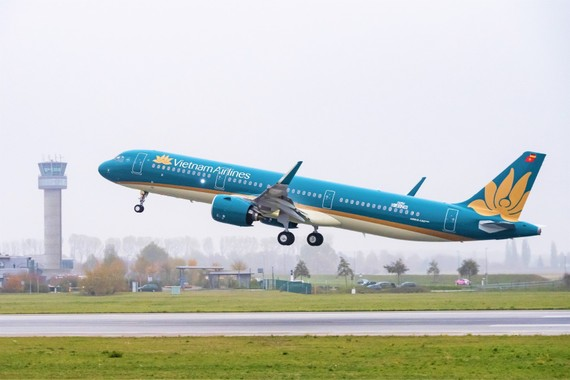 Vietnam Airlines provides free tickets for doctors, nurses