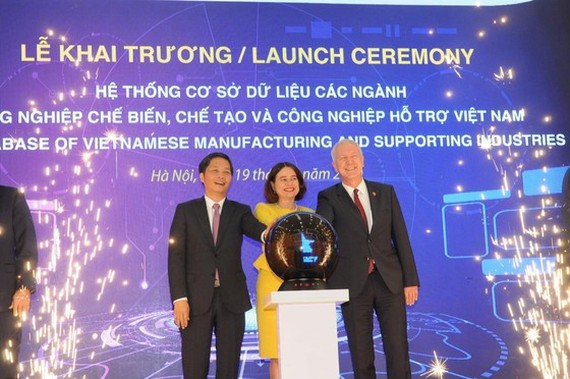 The  launching ceremony for a database of Vietnamese manufacturing and supporting industries