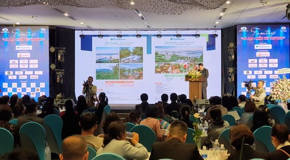 Travel agencies announce tourism stimulus packages at the launching ceremony (Photo:Doan Kien)