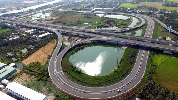 A section running through Tan An city (Long An province) of Ho Chi Minh City-Trung Luong Expressway, part of the North-South Expressway (Photo:VNA)