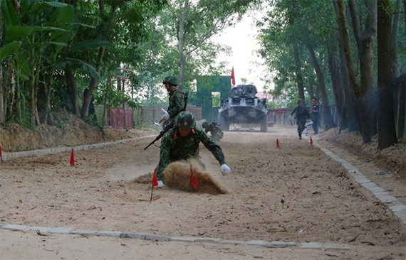 Soldiers are trained for the coming International Army Games 2020 competition. (Photo: QDND)