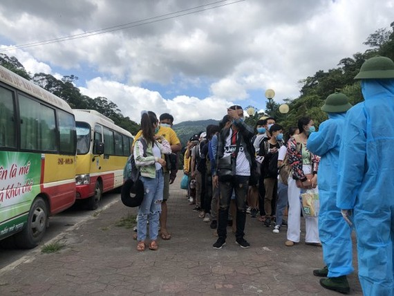 After performing relevant procedures, Laotian students are sent to isolated areas