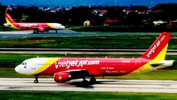 Low-cost carrier Vietjet Air will perform four flights bringing stranded tourists in Da Nang City to return to the capital city of Hanoi and Ho Chi Minh City on August 13 and 14.