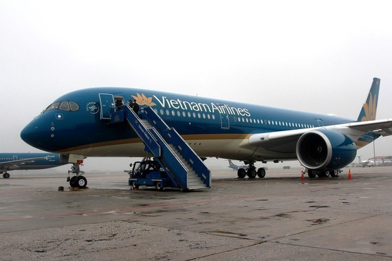 Many domestic flights of Vietnam Airlines are canceled due to storm Noul