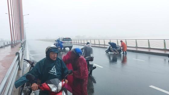 Storm Molave making landfall in provinces from Da Nang to Phu Yen