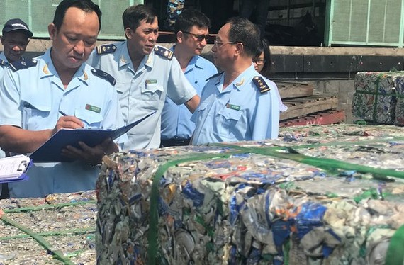 Over 2,900 backlog containers remain in Cat Lai port