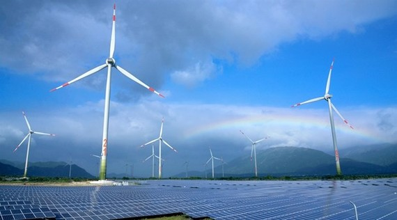 The wind and solar power plant project in Loi Hai and Bac Phong communes of Thuan Bac district has been carried out quickly thanks to support from Ninh Thuan province's authorities (Photo: VNA)