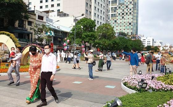 Visitors at Nguyen Hue Flower Street