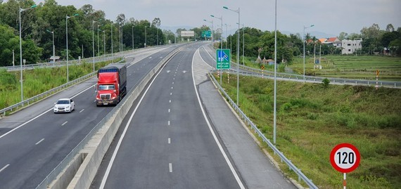 Construction process of nationwide expressway system reaches 90 percent