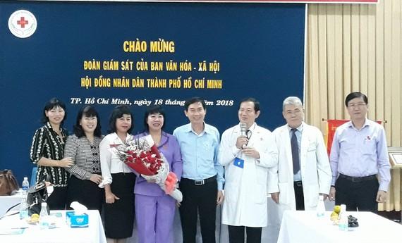 Đoàn công tác Ban Văn hóa xã hội HĐNDTP làm việc tại Bệnh viện Nhân dân 115