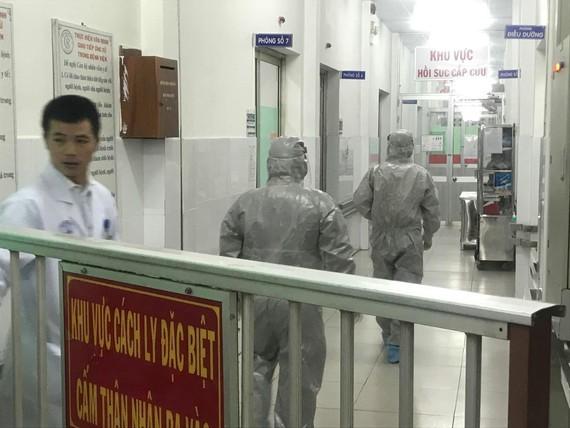 Khu vực hai cha con bệnh nhân người Trung Quốc vẫn đang được theo dõi và điều trị tại Bệnh viện Chợ Rẫy