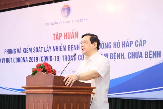 PGS – TS Lương Ngọc Khuê, Cục trưởng Cục quản lý Khám chữa bệnh (Bộ Y tế) phát biểu tại buổi tập huấn
