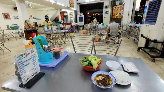 Các cơ sở kinh doanh dịch vụ ăn uống (công suất phục vụ từ 30 người trở lên) tạm nghỉ đến hết tháng 3-2020. Ảnh: HOÀNG HÙNG