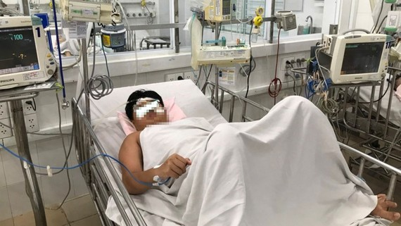 Bệnh nhi bị SXH sau khi được cai máy thở, ổn định về hô hấp, tim mạch