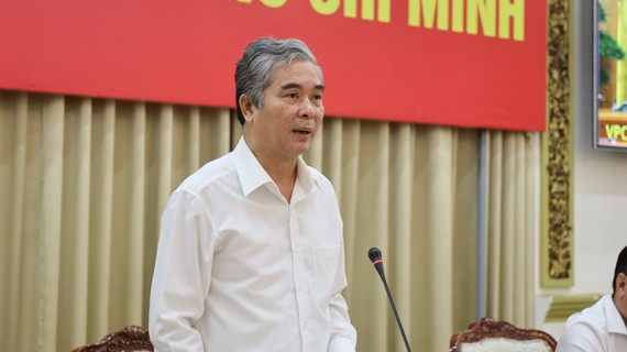 Phó Chủ tịch UBND TPHCM Ngô Minh Châu phát biểu tại cuộc họp. Ảnh: TRUNG TÂM BÁO CHÍ