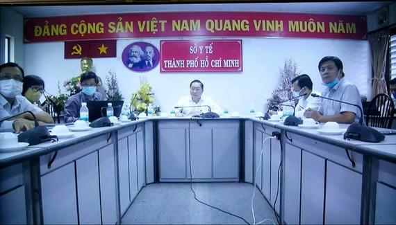 Lãnh đạo Sở Y tế TPHCM họp trực tuyến với lãnh đạo Bộ Y tế vào chiều 30-11, sau ca lây nhiễm từ người cách ly