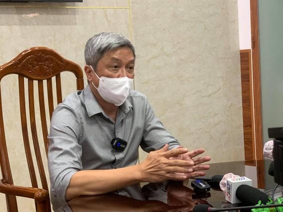 Thứ trưởng Bộ Y tế Nguyễn Trường Sơn phát biểu tại buổi họp báo
