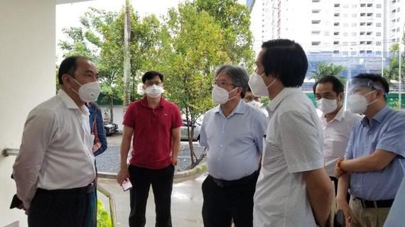 Đoàn Bộ Y tế và Sở Y tế TPHCM khảo sát địa điểm đặt Trung tâm Hồi sức Covid-19