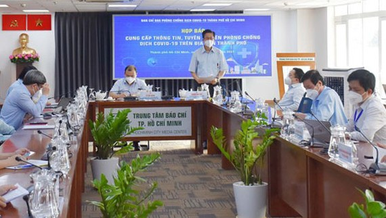 Phó Ban Chỉ đạo phòng chống dịch Covid-19 TPHCM Phạm Đức Hải thông tin tại buổi họp báo